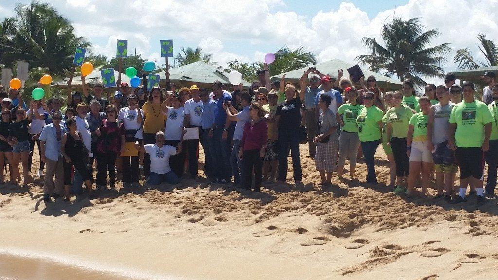 La organización comunitaria celebró una fiesta de pueblo.