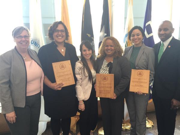Grupo reconocido hoy por la EPA. La Revista Atabey estuvo representada por Glenda Rosado. (foto por Carmen Reyes)