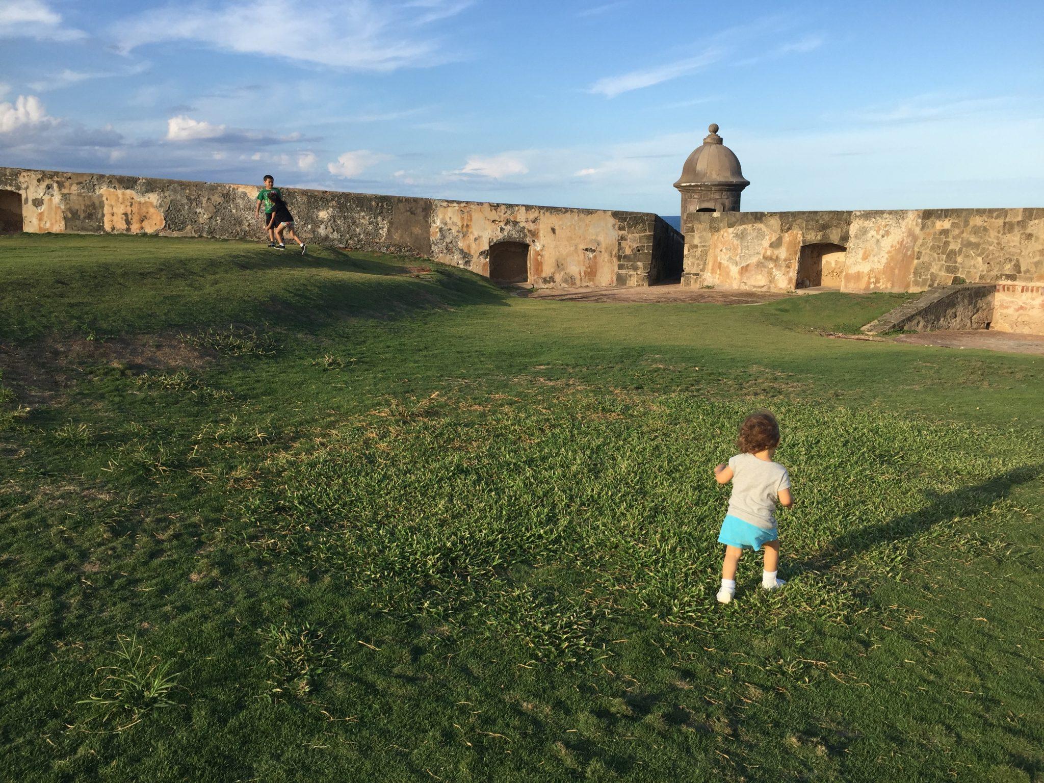 En El Viejo San Juan los niños disfrutan muchísimo.