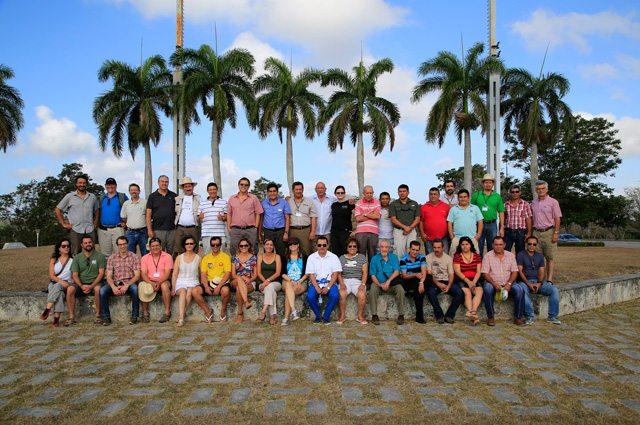 Directorio de la Red Iberoamericana de Bosques Modelo en Cuba, durante la pasada reunión realizada en Cuba en 2015. (Suministrada)
