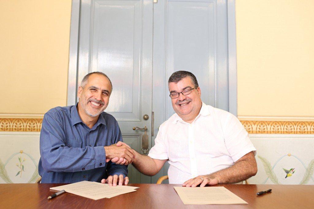 A la izquierda, Fernando Lloveras, presidente para La Naturaleza y  Alexis Torres, presidente de Forward Learning. (fotos suministradas)